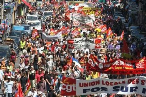 Peste trei milioane de oameni au protestat in Franta fata de reforma pensiilor