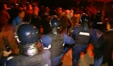VIDEO! Revolta s-a transformat in razboi, la Glina