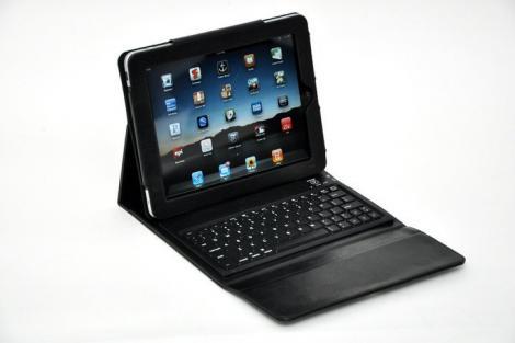 tyPad, tastatura si husa pentru iPad