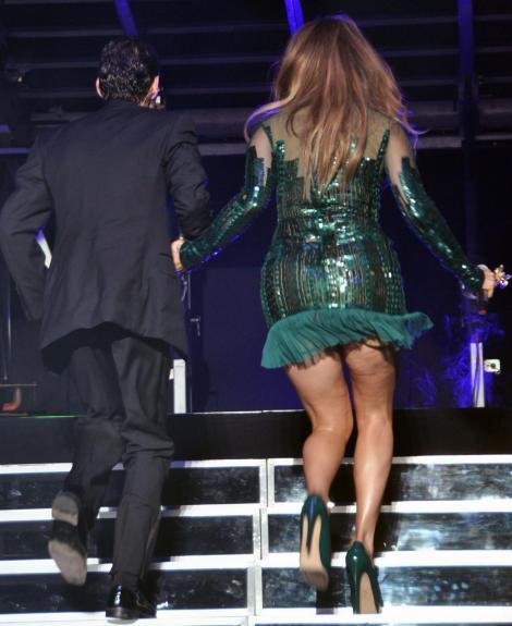 FOTO! Jennifer Lopez, plina de celulita!