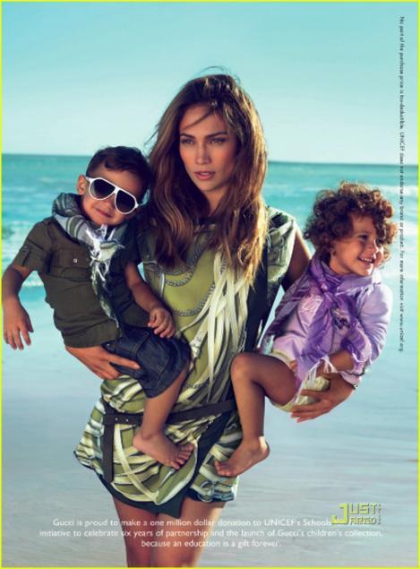 FOTO! J Lo, alaturi de copii ei in campania Gucci