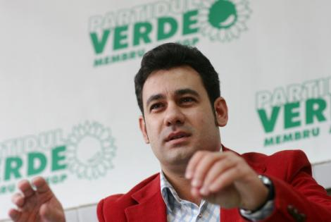 Ionut Dolanescu, acuzat ca si-a inselat sotia cu fosta iubita