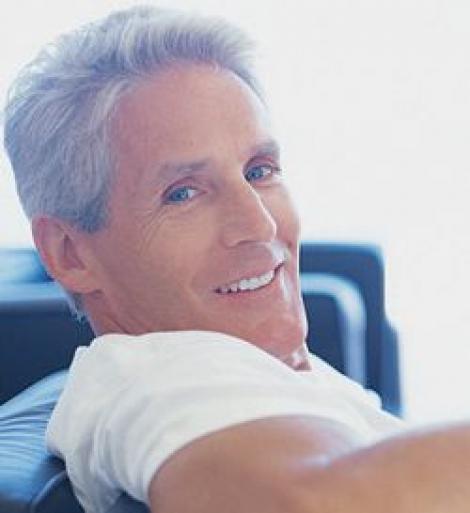 Riscul aparitiei de cancer la colon la barbati, redus printr-o viata sanatoasa