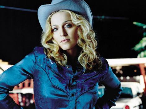 Madonna s-a umplut de paduchi