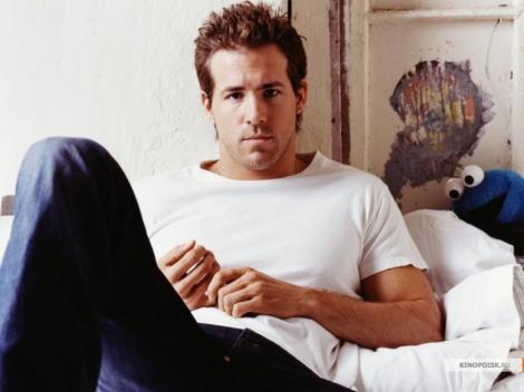 Ryan Reynolds, declarat cel mai sexy barbat in viata