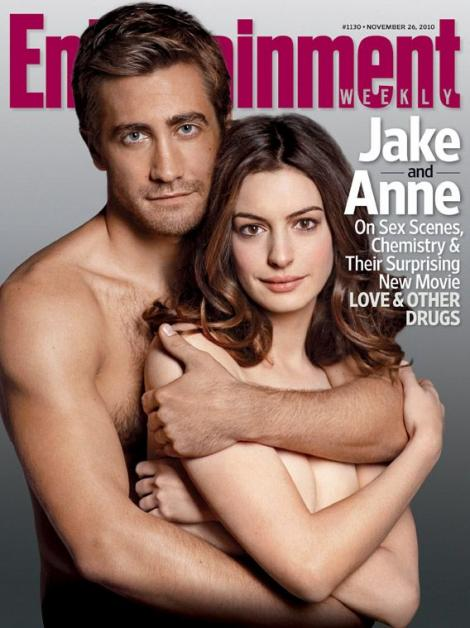 FOTO! Anne Hathaway si Jake Gyllenhaal pozeaza nud pentru promovarea noului lor film