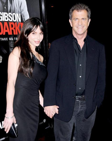 Mel Gibson cere custodia fetitei