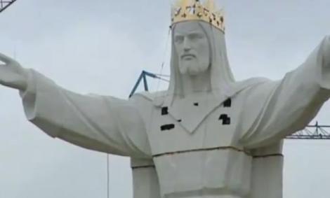 VIDEO! Cea mai inalta statuie a lui Iisus, dezvelita in Polonia