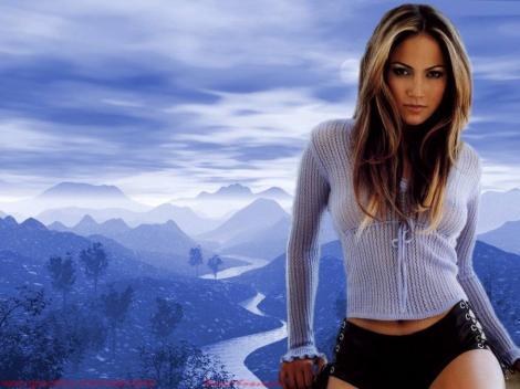 J. Lo revine in lumea modei