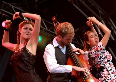 VIDEO! Nouvelle Vague, in concert la Bucuresti