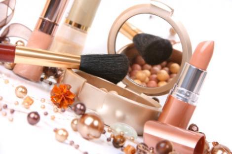 VIDEO! Atentie la cosmeticele expirate