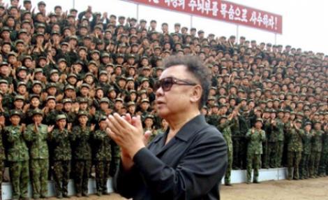 Kim Jong-Il - la concert, Coreea de Nord - in pragul razboiului