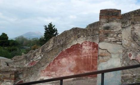 Un zid de 12 metri din situl arheologic Pompei s-a prabusit