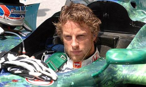 F1: Button a scapat teafar dintr-o tentativa de jaf armat