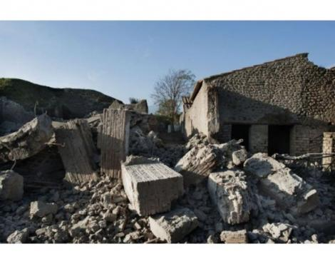 Un monument vechi de 2000 ani din Pompei s-a prabusit