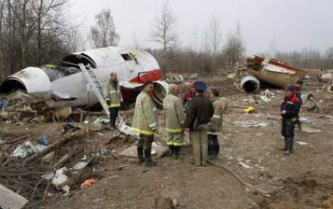 Anchetator: 12 factori au cauzat prabusirea avionului prezidential polonez la Smolensk