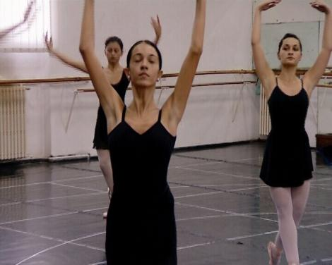 """Simona Gherghe sustine balerinele talentate ale Liceului de Coregrafie """"Floria Capsali"""""""