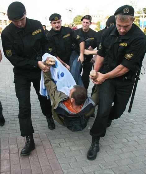 Belarus: Revolta, inabusita violent