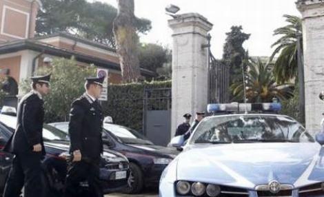 Alerta in Roma: Mai multe pachete suspecte, descoperite in fata unor ambasade
