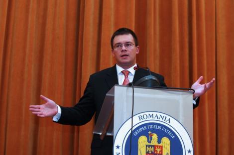 "Mihai Razvan Ungureanu: ""Al Qaeda e o franciza"""