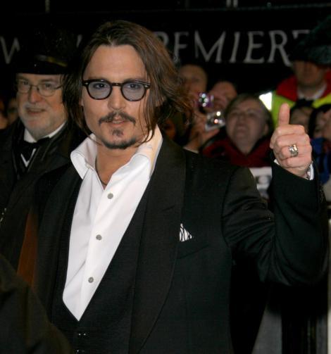 Johnny Depp se simte demasculinizat