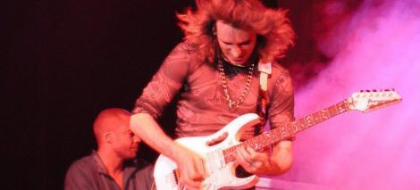 Steve Vai concerteaza in aceasta seara la Sala Polivalenta