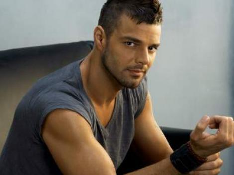 Ricky Martin: Sunt mandru sa spun ca sunt homosexual!