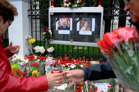 Trupul Mariei Kaczynska, repatriat. Funeraliile cuplului prezidential polonez vor avea loc in weekend