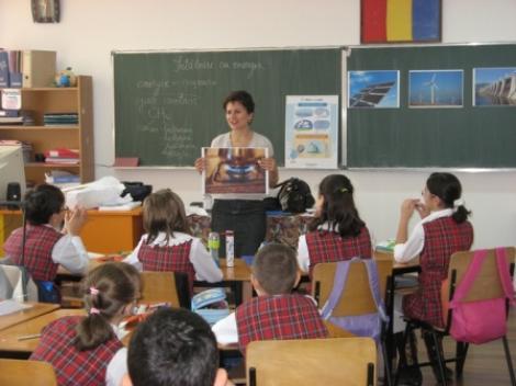 Mures: Profesorilor li se cer inapoi tichetele cadou!