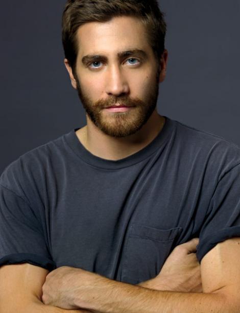 """Jake Gyllenhaal: """"Este bine sa suferi din iubire. Te schimbi si te maturizezi"""""""