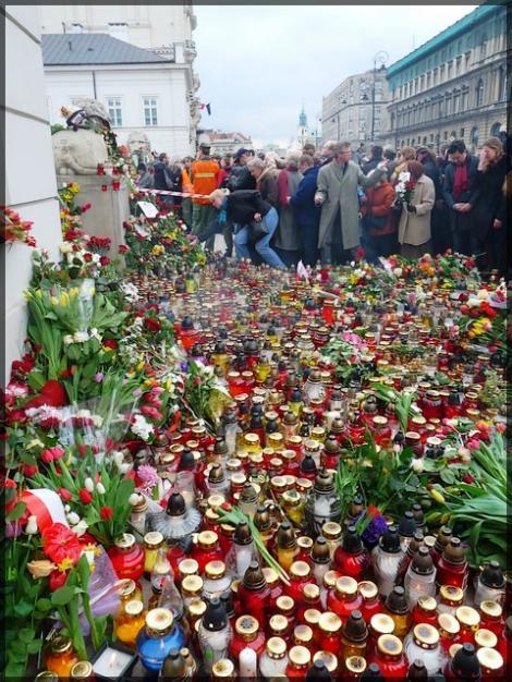 Polonia: Controversa legata de inmormantarea lui Kaczynski