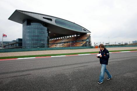 F1 2010, MP China / Calificari: Pole position pentru Vettel