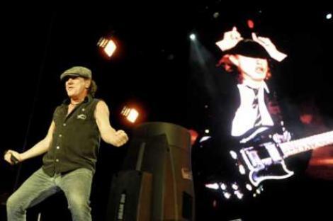 Show-ul AC/DC, doi ani de munca