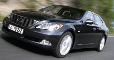 11.000 de Lexus rechemate in service
