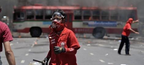 Thailanda: Revolta inabusita in sange, liderii Camasilor Rosii s-au predat