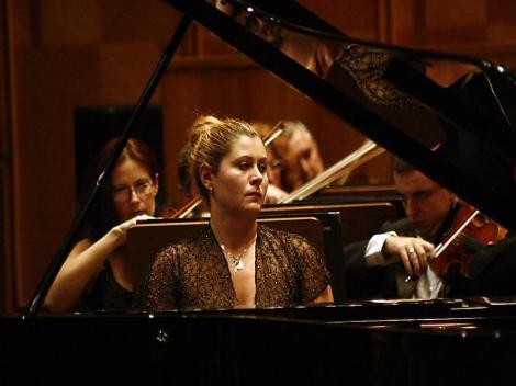 Ioana Maria Lupascu in recital la Palatul Mogosoaia