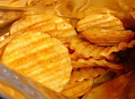 Atentie la chipsurile din cartofi!