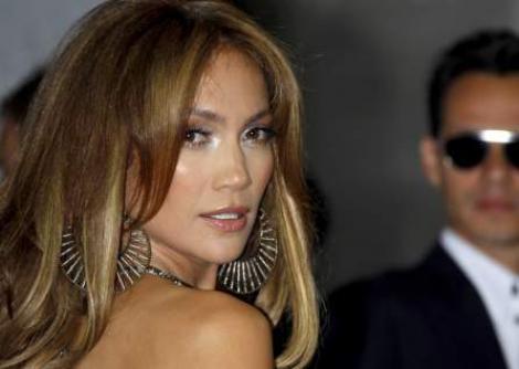 Afla cum a slabit Jennifer Lopez 25 kg
