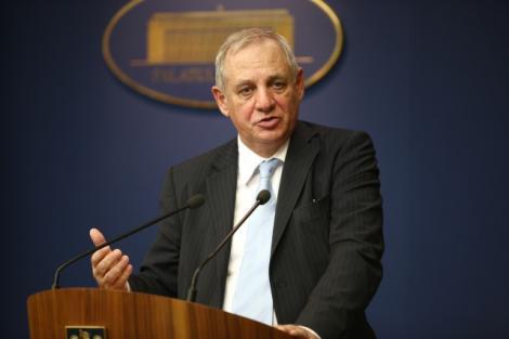 """Mihai Seitan: """"In 2011 salariile bugetarilor ar putea sa scada si cu 70%!"""""""