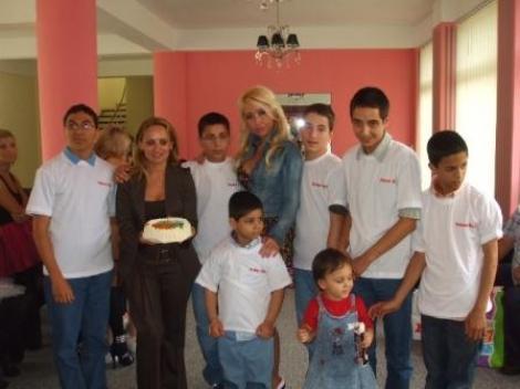 Sonia Trifan a oferit cadouri celor mici