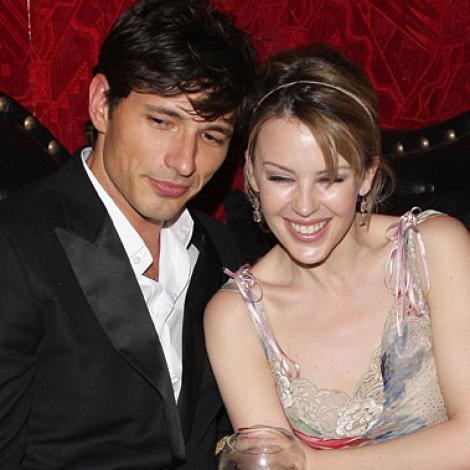 Kylie Minogue: Viata mea amoroasa nu este ca in povesti