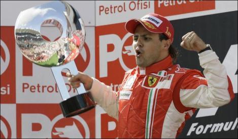Ferrari i-a prelungit contractul lui Felipe Massa pana in 2012
