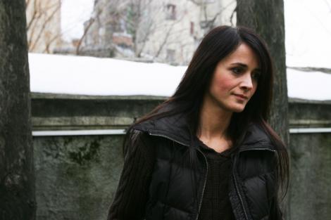 Poezie pentru Madalina Manole