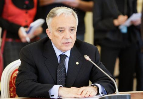 "Isarescu: ""Romania are nevoie de constrangeri bugetare tari"""