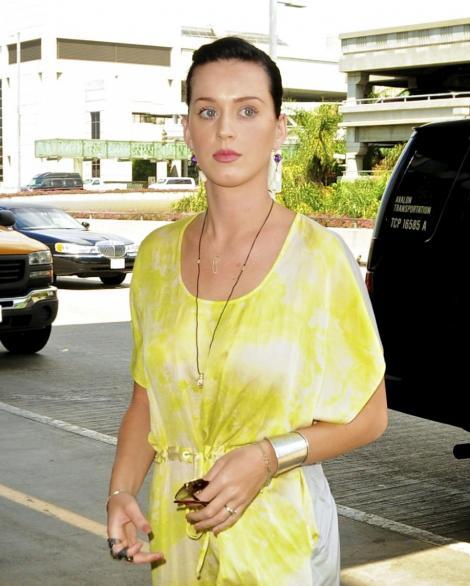 Urmatorul album al lui Katy Perry va mirosi a bezele