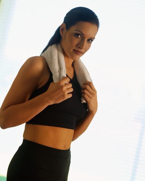 Exercitii pentru brate ferme si un abdomen plat