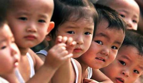 Populatia Chinei risca sa creasca la 1,4 miliarde in 2015