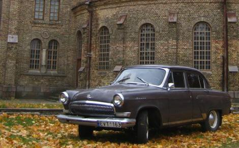 VIDEO! Parada cu masini de epoca la Vilnius