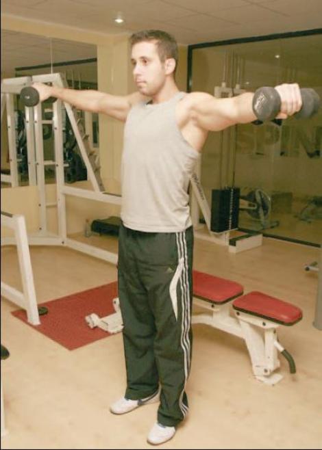 Fitness pentru brate, umeri si spate