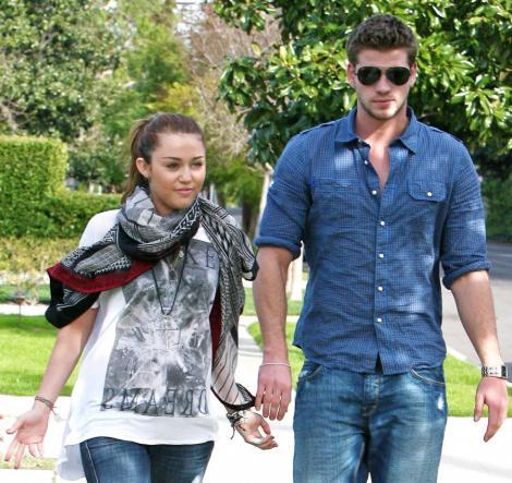 Miley Cyrus si Liam Hemsworth, din nou impreuna